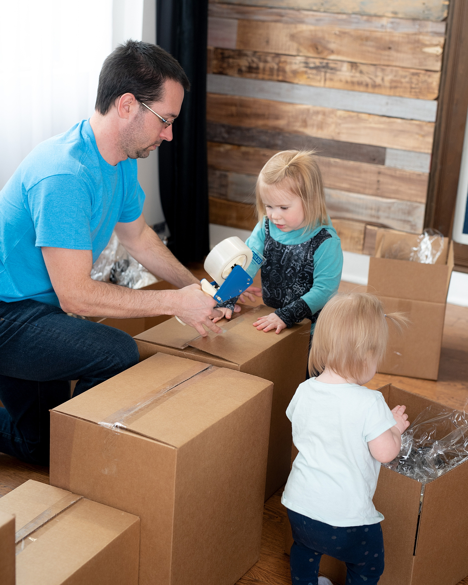 Family business packing boxes